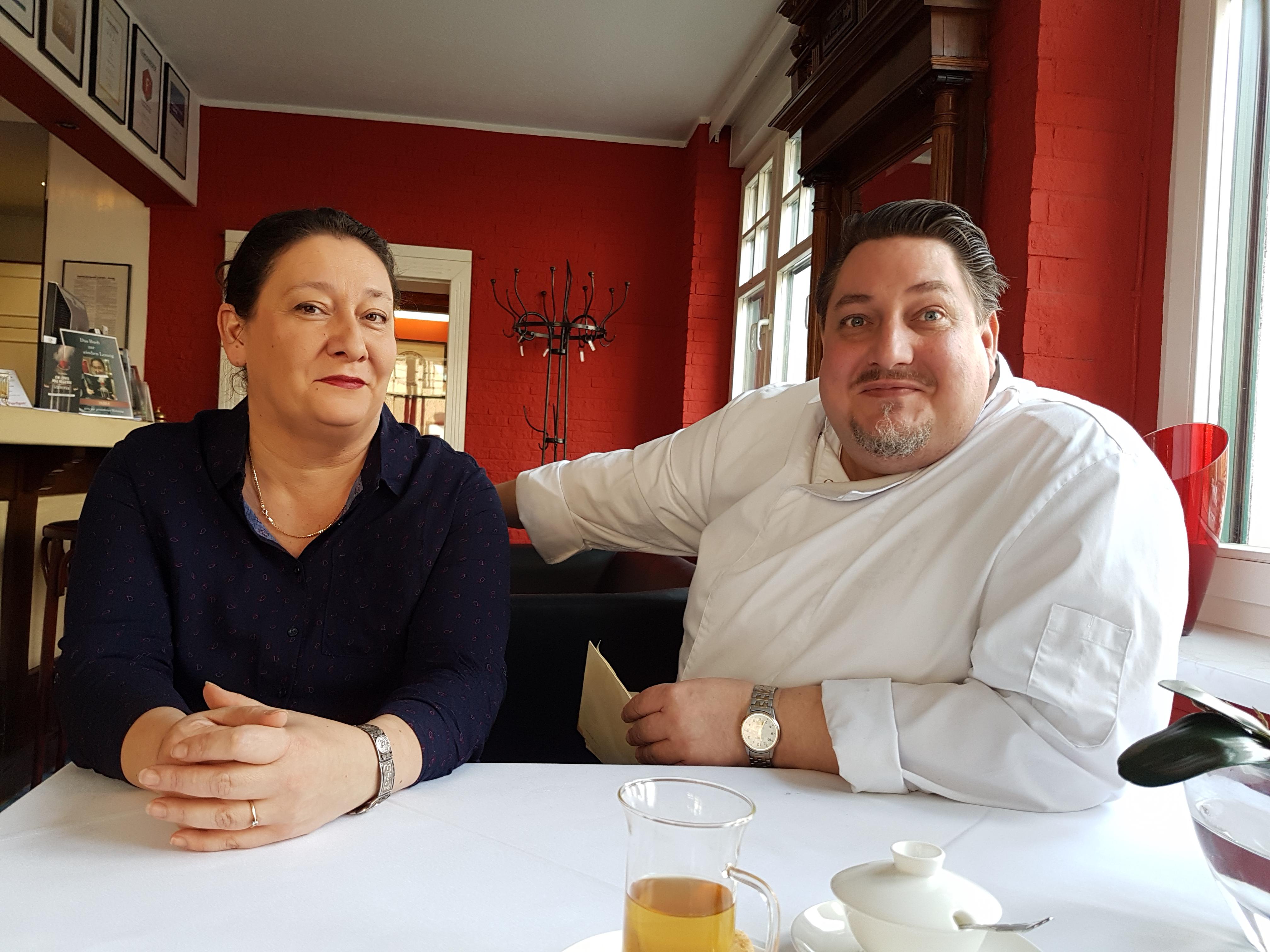 Iris und Frank Schreiber lernten sich im Berliner Hilton kennen. Er kochte, sie machte Marketing. Seit 1997 tun sie das im Goldenen Hahn