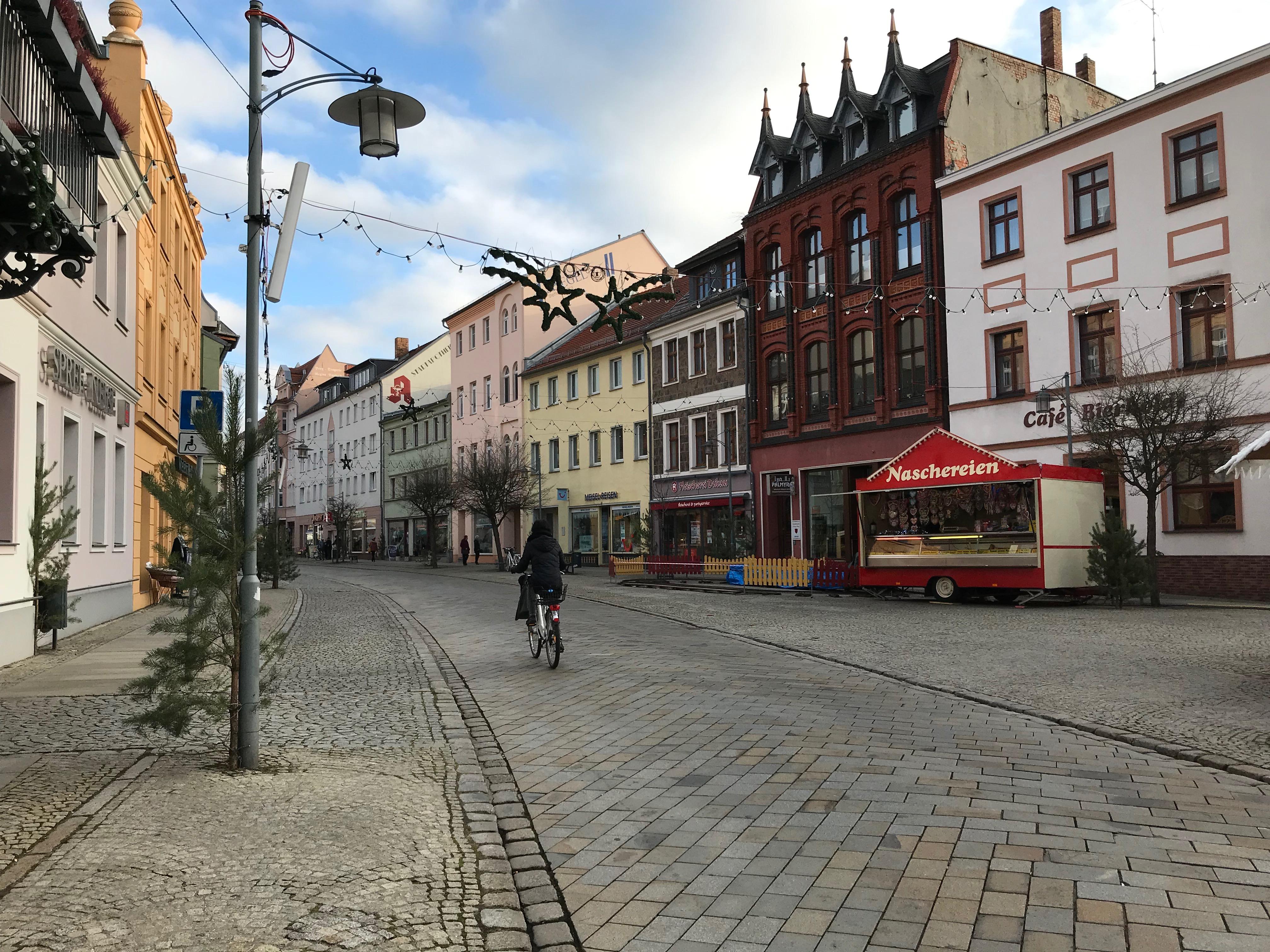 Spremberg (Brandenburg) liegt im Braunkohle-Revier und leidet am Wegzug junger Leute. Die Werbung um Rückkehrer soll die Lösung bringen.